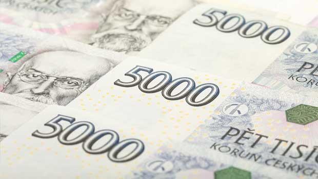 Peníze na stole - 50 000 korun