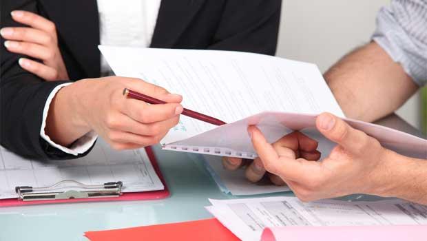 Předčasné splácení půjček - foto papírování